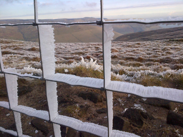 Hoar frost on the fence on Rushup Edge