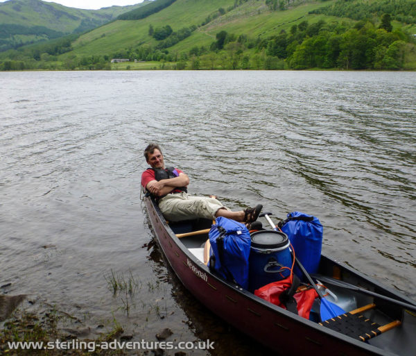Paddling into a strong wind on Loch Voil was hard work - Pete takes break from the work!  ;-)